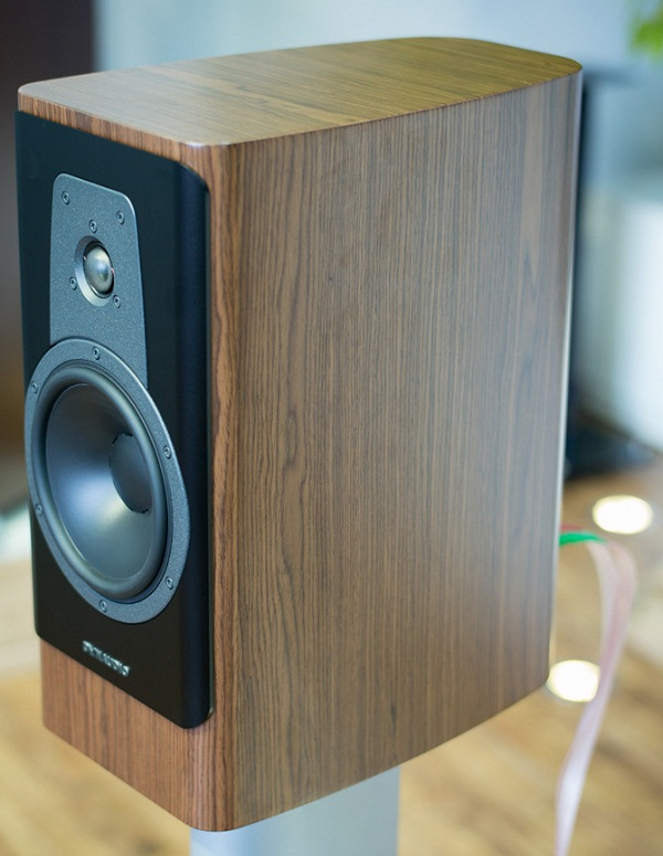 Thiết kế Dynaudio Contour 20